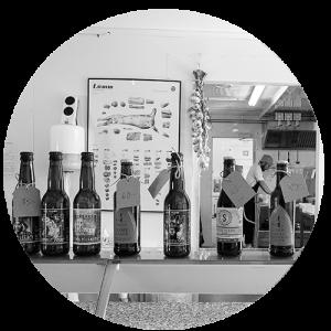 Lokala ölsorter på disken i Pastamakarnas restaurang